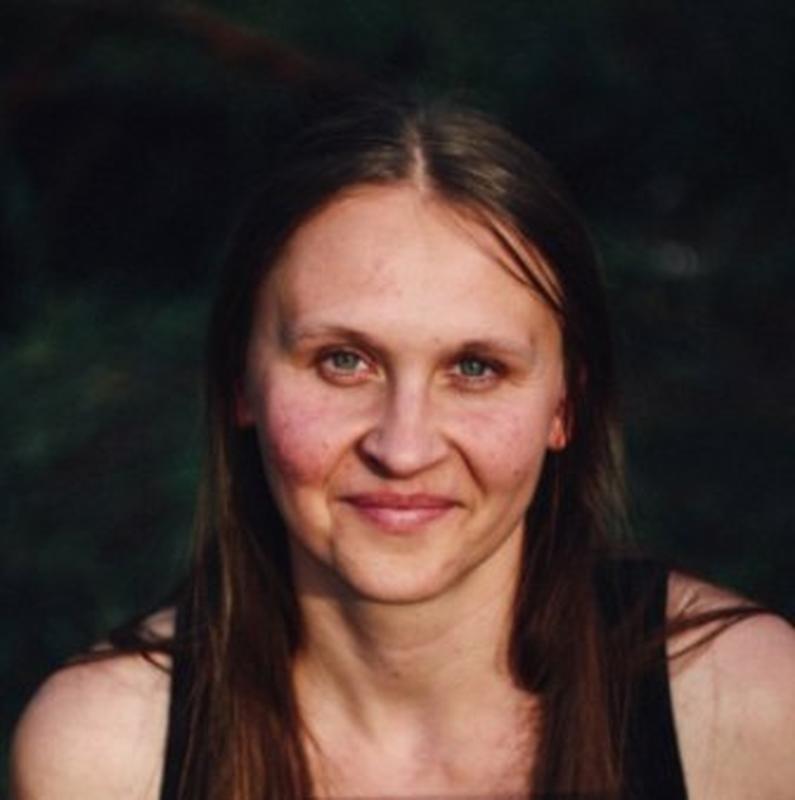 Олена Курьянова