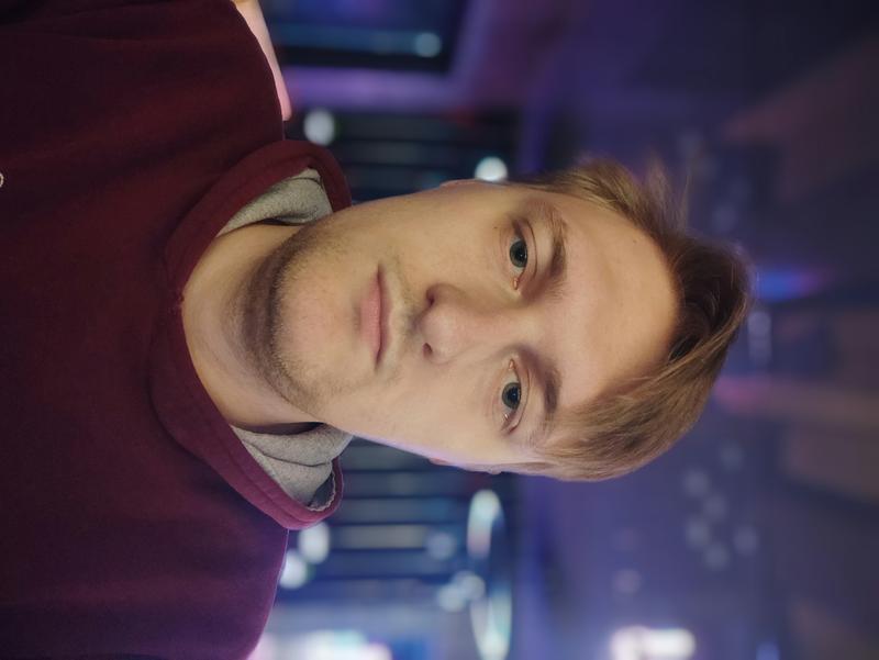 Антон Якушенко