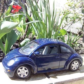 модель авто 1 18 Gate (AutoArt) - Volkswagen Beetle 1999 ЖУК