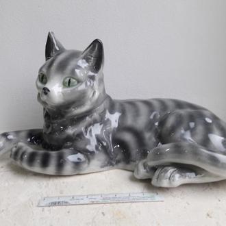 Фарфоровая статуэтка полосатая кошка Германия.