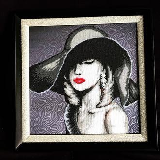 Картина портрет, вышитая чешским бисером