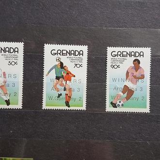 Гренада 1986 ФУТБОЛ ЧМ-86 НАДПЕЧАТКА Михель = 12 евро**