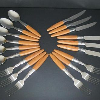 Набор столовых приборов в упаковке ножи вилки столовые ложки!18 шт!Германия!