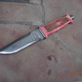 нож охотничий СССР.находка в гараже.рукоять целая просто замотана изолентой.Сталь отличная.СССР.