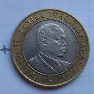 КЕНИЯ, 10 шиллингов 1995 г. (БИМЕТАЛЛ; ПОРТРЕТ ВПРАВО).