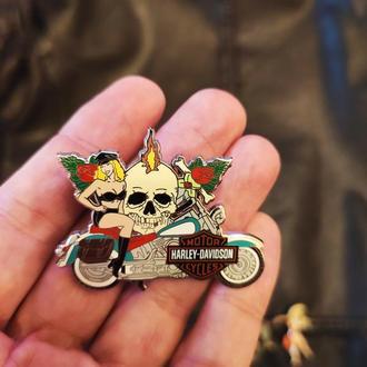 Коллекционные значки из лимитированного выпуск Harley Davidson, Hard Rock Cafe, Hooter's . Оригинал.