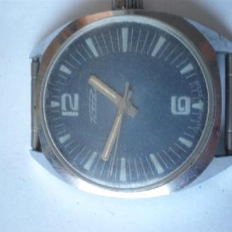 часы Ракета интересная модель сохран 2703
