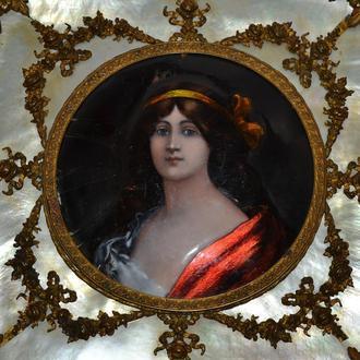 """Старинная картина. Миниатюрный Портрет """"Прекраcная незнакомка"""", эмаль, перламутр, XVIII век"""