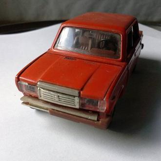 ваз 2107 модель СССР надломлен бампер