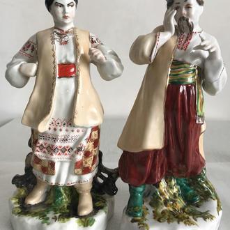 Фарфоровая статуэтка пара Одарка и Карась старый Киев
