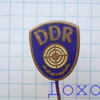 Значок DDR ГДР стрелок на иголке тяжелый спорт