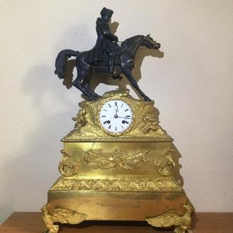 Часы бронзовые с Наполеоном. Высота 57 см.