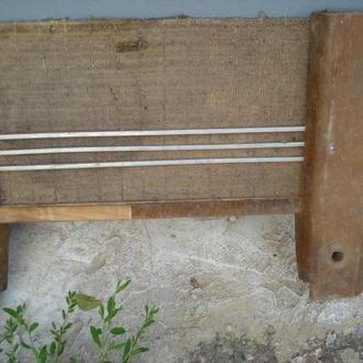 Передня панель невідомого довоєнного радіо