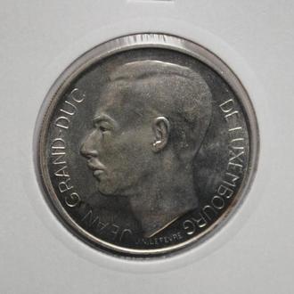 Люксембург 100 франков 1964 г., UNC