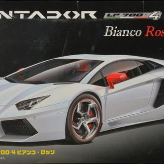 Сборная модель автомобиля Lamborghini  Aventador LP700-4 Bianco Rosso  1:25 Fujimi