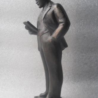 Скульптура Ленин ск.Шульц