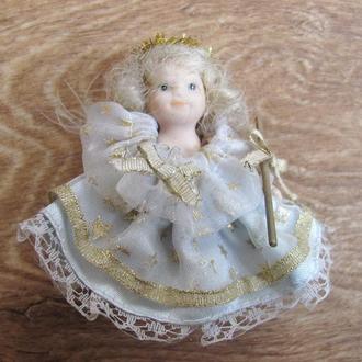 Керамическая куколка.