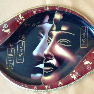 Тарелка  Фараон Эхнатон. . Фарфор. Позолота.  Египет. Сувенир.