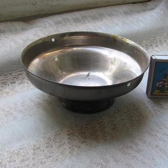 Ваза металлическая Армения  ( СССР)