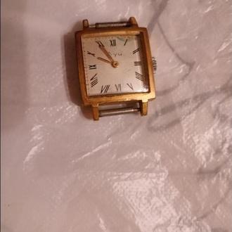 часы женские Луч позолоченные