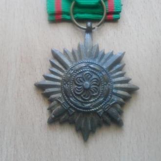 """Третий Рейх медаль """"За заслуги2 2-го кл."""