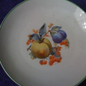 Фарфоровая старинная настенная тарелка