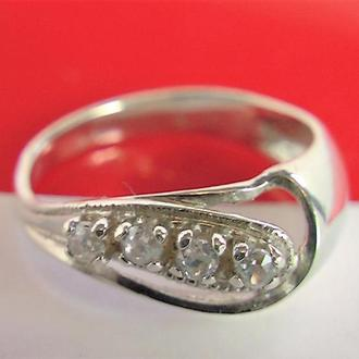 Кольцо перстень серебро 925 проба 17 размер 3,30 гр.