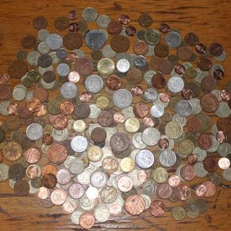Лот иностранных монет, c СССР и Россией.  334шт. с 1грн.