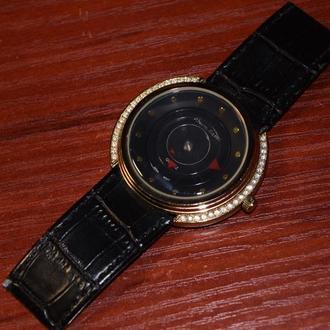 Alberto kavalli 08727A часы кварц со стрелками и камнями б/у