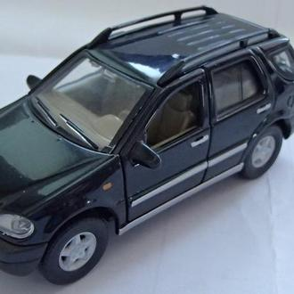 Cararama Mercedes-Benz ML 320 черный 1/43