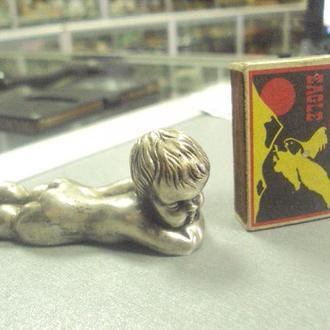 фигурка серебро мальчик лежит вес 85,39 г длина 82 мм №6
