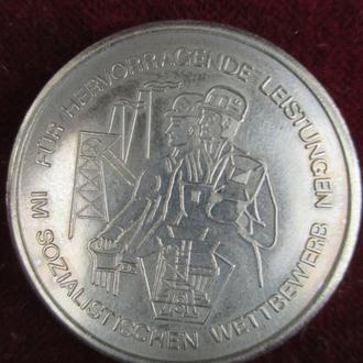 Медаль настольная ГДР металлургия