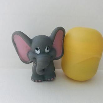 Не Киндер, Слон, резина