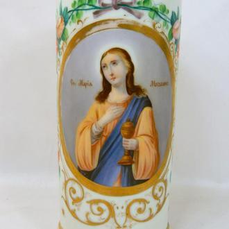 Фарфоровая ваза с изображением Св. Марии Магдалины, высота 22,8 см., диаметр низ 10,4 см.