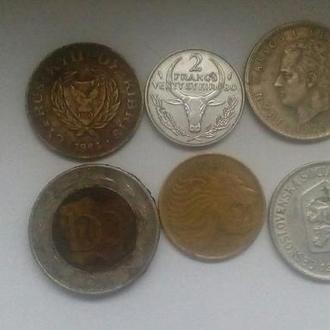 иностранные монеты разные года.