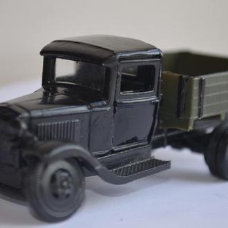 Модель грузовика ГАЗ-АА. Масштаб 1/43