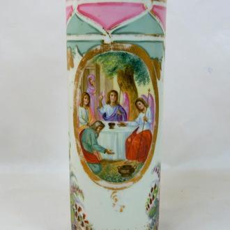 Фарфоровая ваза с двумя церковными сюжетами, высота 24,5 см., диаметр низ 8,5 см.