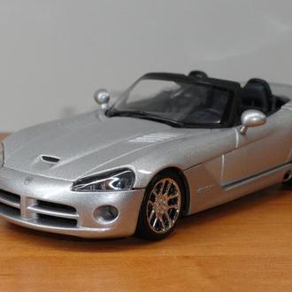 1/43  Dodge Viper SRT-10 2003  AutoArt