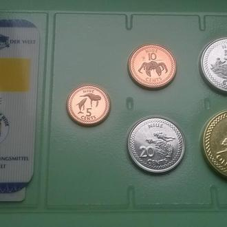 Набор НИУЭ из серии - Das Geld Der Welt пластик блистер NIUE набір НІУЕ запайка R