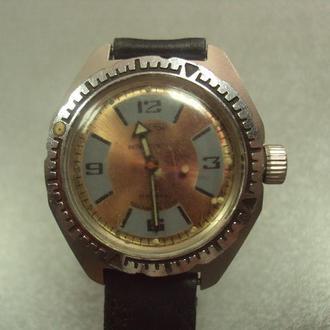 наручные часы с браслетом восток антимагнитные 17 камней ссср амфибия №497м