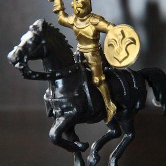 рыцарь  Starlux 60мм Франция