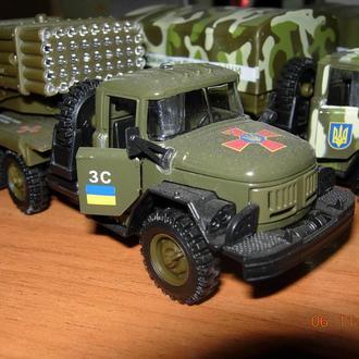 модели военной техники.
