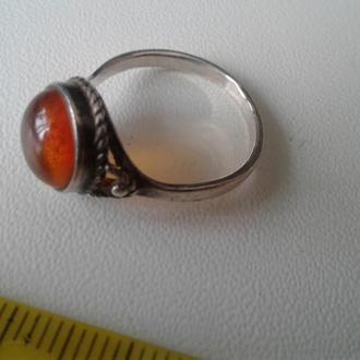 Кольцо с янтарем, посеребрение. СССР.