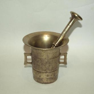 Старинная бронзовая ступка с пестиком, нач. 20-го в. Австро-Венгрия.