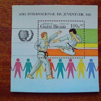 Гвинея Бисау.1985г. Спорт. Почтовый блок. MNH