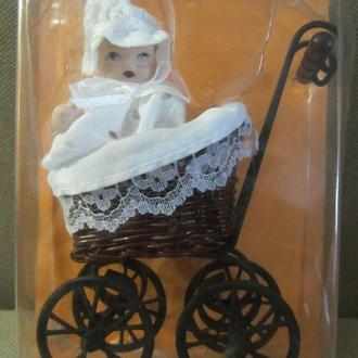Мини коляска с младенцем металл новая 11см Германия