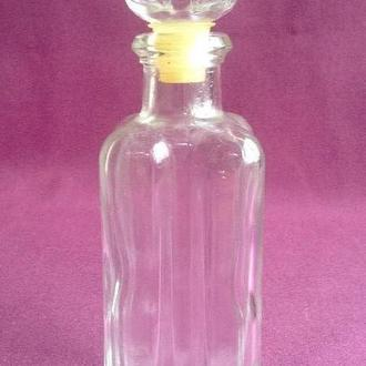 Бутылка - флакон  для туалетной воды.  Стекло.