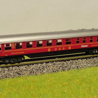 (0131) вагон пассажирский TRIX в масштабе N (1:160)