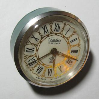 Часы-будильник Слава СССР