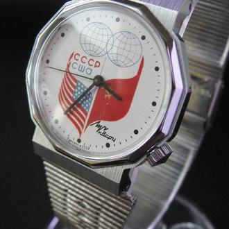 Часы Луч СССР США кварц СССР Отличное волшебное состояние Идеал! 100% оригинал